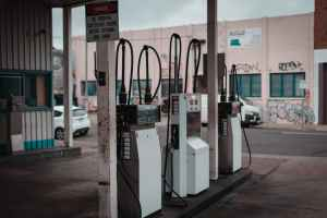 Read more about the article BUYER BEWARE OF NON COMPLIANT PETROL STATIONS SELLING ADULTERATED FUEL
